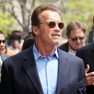 Arnold Schwarzenegger in Arnold Schwarzenegger Out and About in The Grove
