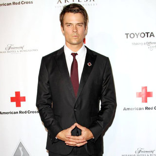 Josh Duhamel in The American Red Cross: Santa Monica Chapter's Annual Red Tie Affair - Arrivals