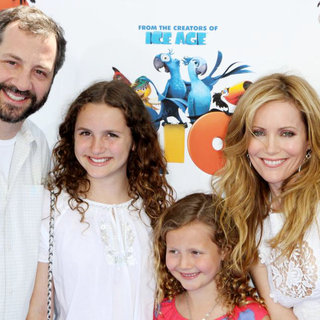 Judd Apatow, Leslie Mann in Los Angeles Premiere of 'Rio' - Arrivals