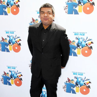 George Lopez in Los Angeles Premiere of 'Rio' - Arrivals