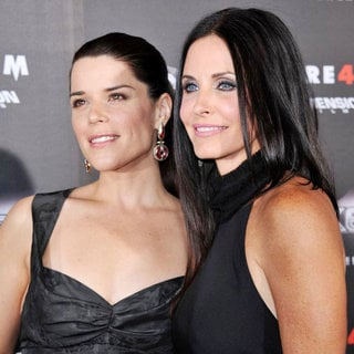 Neve Campbell in World Premiere of 'Scream 4' - Arrivals - wenn3291838