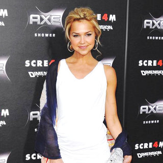 Arielle Kebbel in World Premiere of 'Scream 4' - Arrivals