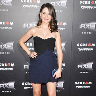 Alison Brie in World Premiere of 'Scream 4' - Arrivals