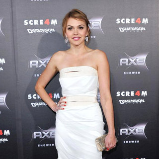 Aimee Teegarden in World Premiere of 'Scream 4' - Arrivals