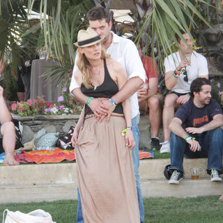 Diane Kruger, Joshua Jackson in Celebrities at The 2011 Coachella Valley Music and Arts Festival - Day 2
