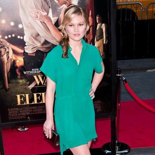 Julia Stiles in The World Premiere of 'Water for Elephants' - Arrivals