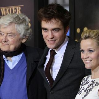 Hal Holbrook, Robert Pattinson, Reese Witherspoon in The World Premiere of 'Water for Elephants' - Arrivals