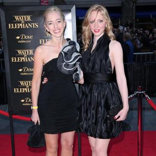 Victoria Pattinson, Lizzie Pattinson in The World Premiere of 'Water for Elephants' - Arrivals