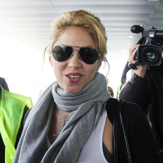 Shakira in Shakira Arrives in Barcelona on A Flight from Valencia