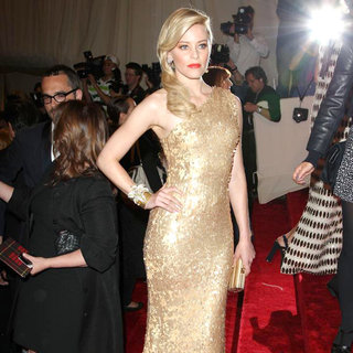 Elizabeth Banks in Alexander McQueen: Savage Beauty Costume Institute Gala