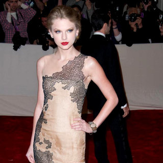 Taylor Swift in Alexander McQueen: Savage Beauty Costume Institute Gala