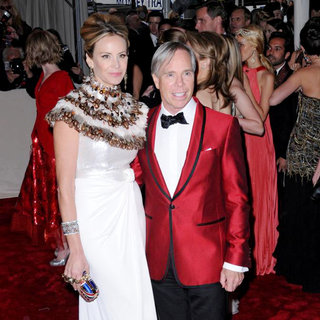 Dee Hilfiger, Tommy Hilfiger in Alexander McQueen: Savage Beauty Costume Institute Gala