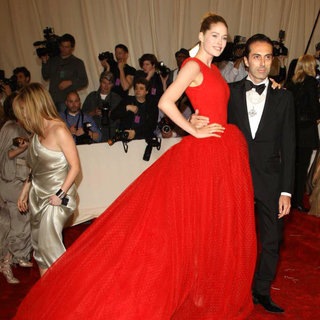 Doutzen Kroes, Giambattista Valli in Alexander McQueen: Savage Beauty Costume Institute Gala