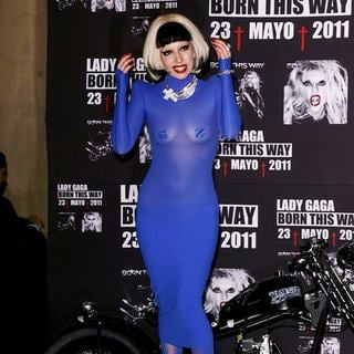 Lady GaGa in Lady GaGa in Mexico to be Presented with A Platinum Record
