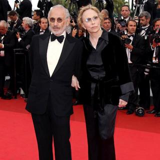Jerry Schatzberg, Faye Dunaway in 2011 Cannes International Film Festival - Day 2 - Sleeping Beauty - Premiere