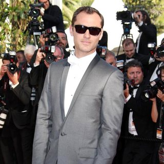 Jude Law in 2011 Cannes International Film Festival - Day 6 - The Tree of Life - Premiere