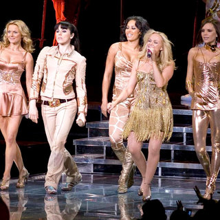 Geri Halliwell, Melanie C, Melanie Brown, Emma Bunton, Victoria Adams, Spice Girls in The Return of The Spice Girls' Tour