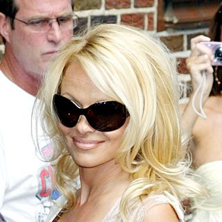 Pamela Anderson - Pamela Anderson outside the Ed Sullivan Theatre for the 'Late Show With David Letterman'