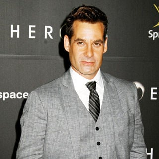 Adrian Pasdar in 'Heroes' countdown to the premire