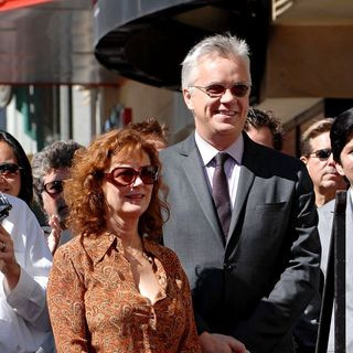 Susan Sarandon, Tim Robbins in Tim Robbins is Honoured with A Star on Hollywood Walk of Fame