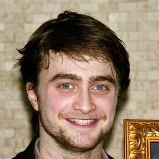 Daniel Radcliffe - Daniel Radcliffe Receives A Portrait on Tony's di Napoli Wall of Fame