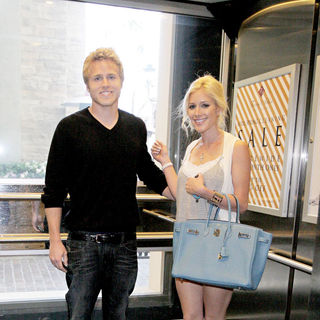 Spencer Pratt and Heidi Montag Walk Through The Grove While Out and About