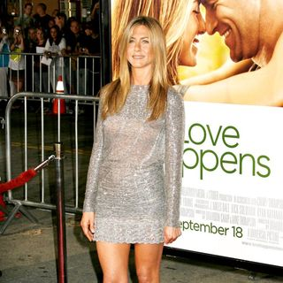 Jennifer Aniston in Los Angeles Premiere of 'Love Happens'