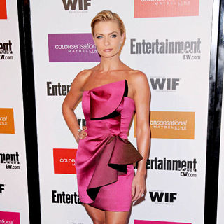 Jaime Pressly in 2009 Entertainment Weekly & Women in Film pre-Emmy Party Presented by Maybelline Colorsensational
