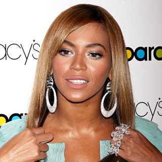 Beyonce Knowles - Billboard's '4th Annual Women In Music Awards' - Arrivals