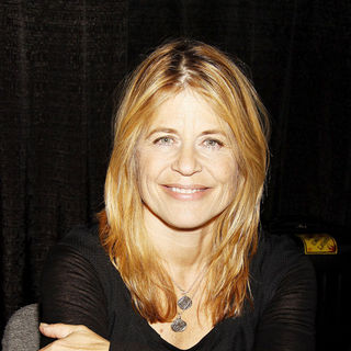 Linda Hamilton in Big Apple Comic Con 2009 - wenn5371413