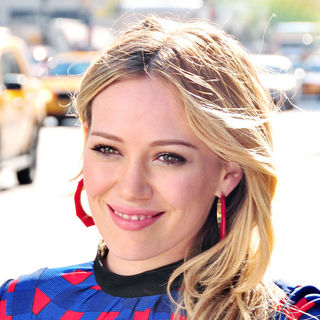 Hilary Duff in On the set of film 'The Business of Falling in Love'