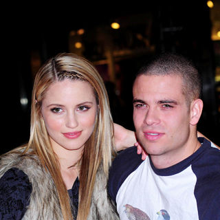 Dianna Agron, Mark Salling in The Cast of Glee Sign Copies of 'Glee: The Music Vol. 1'