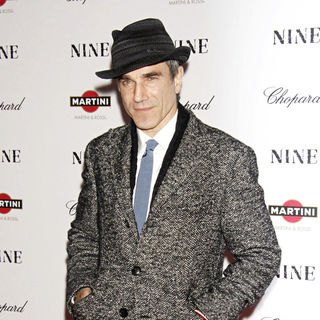 Daniel Day-Lewis in New York Premiere of 'Nine' Sponsored by Chopard