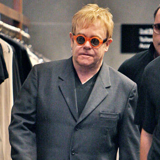 Elton John Shopping at Dolce & Gabbana - wenn5415982