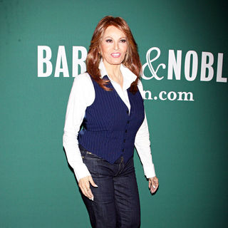 Raquel Welch in Raquel Welch promotes her new book 'Beyond The Cleavage: The Real Story Behind The Sex Symbol'