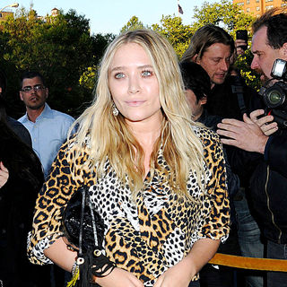 Mary-Kate Olsen - Premiere of 'Holy Rollers'