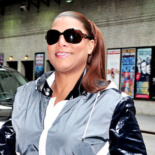 Queen Latifah in Queen Latifah Outside The Ed Sullivan Theater for The 'Late Show With David Letterman'