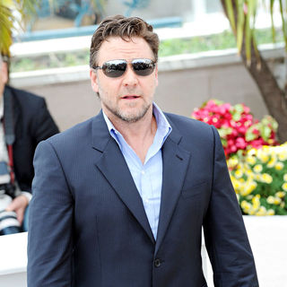 Russell Crowe in 2010 Cannes International Film Festival - Day 1 - 'Robin Hood' Photocall