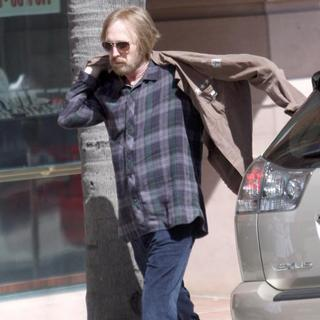 Tom Petty in Rocker Tom Petty Heading to The Doctor's Office with A Nurse
