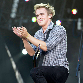 Tom Fletcher, McFly in McFly Perform Live on The Third Day of The Rock in Rio Madrid Festival