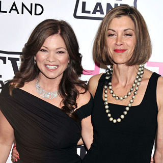 Valerie Bertinelli, Wendie Malick in The 'Hot in Cleveland' Premiere