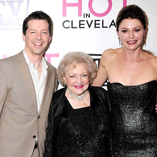 Sean Hayes, Betty White, Jane Leeves in The 'Hot in Cleveland' Premiere