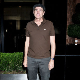 James Taylor Departs His Manhattan Hotel - wenn5507661
