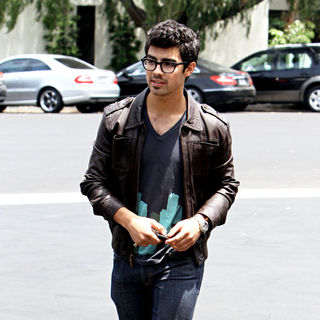 Joe Jonas, Jonas Brothers in Joe Jonas and His Family Leave Patys Restaurant in Toluca Lake