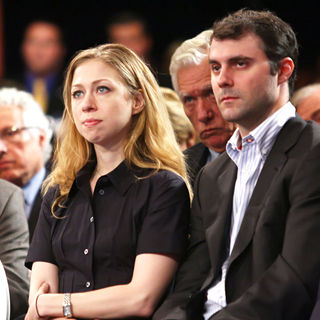 Chelsea Clinton, Marc Mezvinsky in Chelsea Clinton and Marc Mezvinsky Attend The Clinton Global Initiative Closing Session