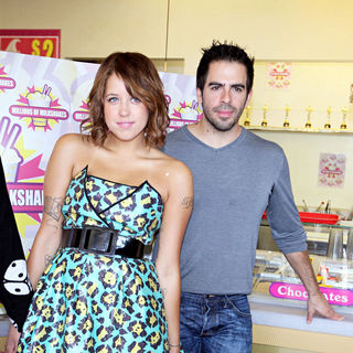 Peaches Geldof, Eli Roth in Jonny Makeup and Peaches Geldof Create A Signature Shake at 'Millions of Milkshakes'