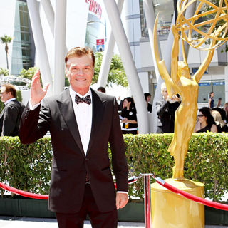 Fred Willard in 2010 Creative Arts Emmy Awards - Arrivals