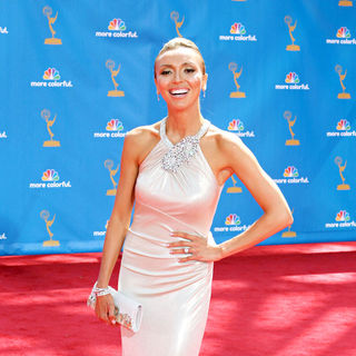 Giuliana Rancic in The 62nd Annual Primetime Emmy Awards