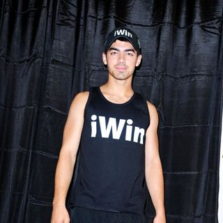 Joe Jonas, Jonas Brothers in iWin 5K Fun Run/Walk Benefiting Special Olympics Florida