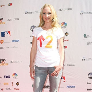 Anne Heche in 2010 Stand Up To Cancer - Arrivals - wenn5539927